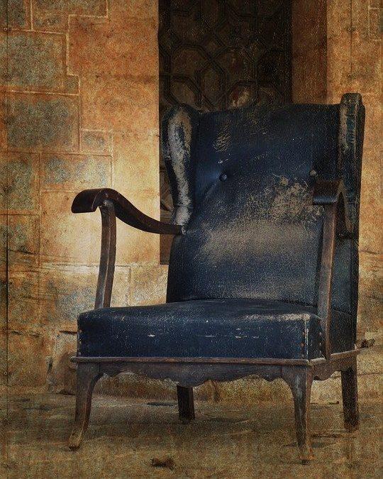 Refaire un vieux fauteuil en tissu : les démarches à suivre
