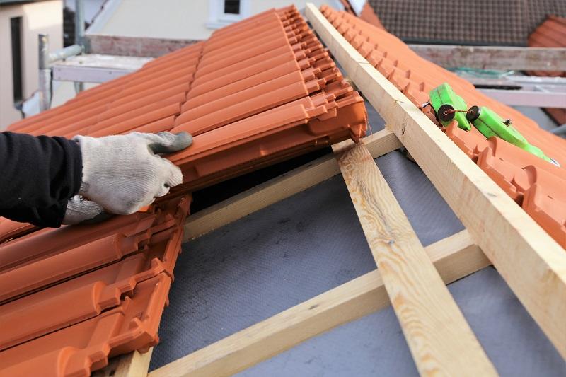 Les avantages de recourir à un couvreur pour sa toiture