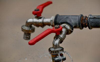 Urgence dans la plomberie: quel professionnel engager ?