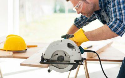 Bricoler à la maison : comment se servir d'une scie à onglet radiale ?